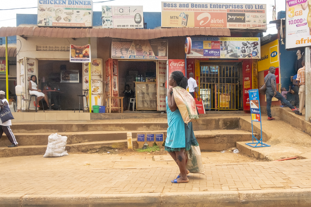 Straßenszene Geschäfte