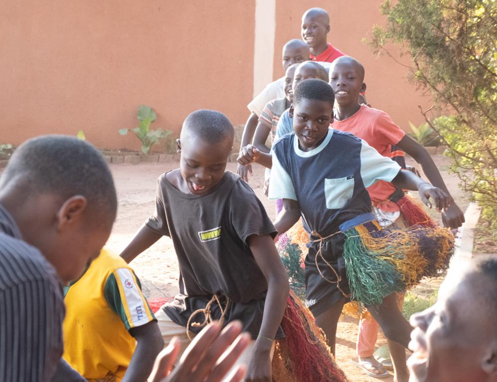 Afrinena – Children Voice: Waisenhäuser mit Zukunft. Gospel-Chor mit Leidenschaft.